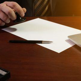 Суд не вправі вимагати витяг з реєстру адвокатів